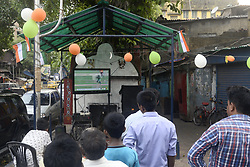 June 18, 2017 - Kolkata, West Bengal, India - Indian fans watch Pakistan batting at road side Television during ICC Champions Trophy Final Match between Indian and Pakistan on June 18, 2017 in Kolkata. (Credit Image: © Saikat Paul/Pacific Press via ZUMA Wire)