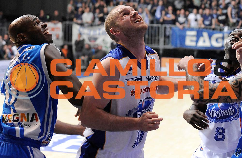 DESCRIZIONE : Cantu' Campionato Lega A 2013-14 Acqua Vitasnella Cantu' Banco di Sardegna Sassari <br /> GIOCATORE : Maarten Leunen <br /> SQUADRA : Acqua Vitasnella Cantu' <br /> EVENTO : Campionato Lega A 2013-14<br /> GARA :  Acqua Vitasnella Cantu' Banco di Sardegna Sassari<br /> DATA : 26/01/2014<br /> CATEGORIA :  Taglia Fuori Rimbalzo<br /> SPORT : Pallacanestro<br /> AUTORE : Agenzia Ciamillo-Castoria/A.Giberti<br /> Galleria : Campionato Lega Basket A 2013-14<br /> Fotonotizia : Acqua Vitasnella Cantu' Banco di Sardegna Sassari<br /> Predefinita :