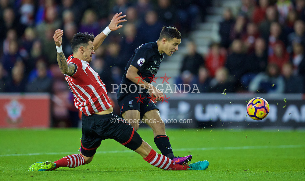 SOUTHAMPTON, ENGLAND - Saturday, November 19, 2016: Liverpool's Philippe Coutinho Correia is denied by a tackle from Southampton's captain Jose Fonte during the FA Premier League match at St. Mary's Stadium. (Pic by David Rawcliffe/Propaganda)