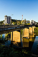 Ponte Adolfo Konder. Blumenau, Santa Catarina, Brasil. / Adolfo Konder Bridge. Blumenau, Santa Catarina, Brazil.