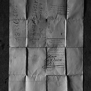 A document that has received one of the young returnees of the United Nations.<br /> <br /> Un documento que ha recibido a uno de los j&oacute;venes repatriados de las Naciones Unidas.