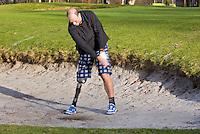 NAARDEN - Dennis van der Zeijden, gehandicapte golfer van het jaar 2012  ,  been  geamputeerd ten gevolge van botkanker, osteosarcoom .. FOTO KOEN SUYK