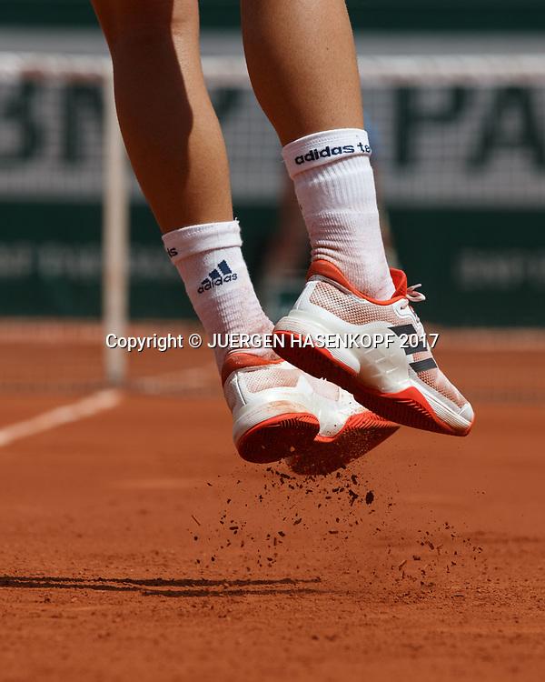 Fuesse/Schuhe von DOMINIC THIEM (AUT) beim Aufschlag,Absprung,<br /> <br /> Tennis - French Open 2017 - Grand Slam ATP / WTA -  Roland Garros - Paris -  - France  - 31 May 2017.