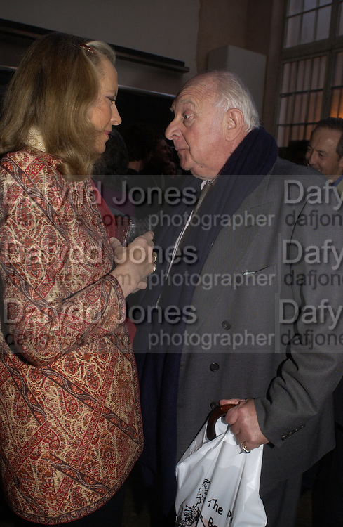Princess Michael of Kent and Prince Rupert Loewenstein, 1812 Napoleon's Fatal March on Moscow by Adam Zamoyski book launch. Avenue Studios. Fulham Rd. 5 April 2004. ONE TIME USE ONLY - DO NOT ARCHIVE  © Copyright Photograph by Dafydd Jones 66 Stockwell Park Rd. London SW9 0DA Tel 020 7733 0108 www.dafjones.com