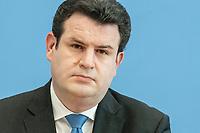 """31 MAR 2020, BERLIN/GERMANY:<br /> Hubertus Heil, SPD, Bundesarbeitsminister,. waehrend einer Pressekonferenz zum Thema """"Zur Lage am deutschen Arbeitsmarkt"""" waehrend der Corona-Krise, Bundespressekonferenz<br /> IMAGE: 20200331-01-043<br /> KEYWORDS: BPK"""