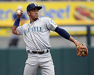 CHICAGO - AUGUST 28:  Ketel Marte #4 of the Seattle Mariners throws the baseball against the Chicago White Sox on August  28, 2016 at U.S. Cellular Field in Chicago, Illinois.  The White Sox defeated the Mariners 4-1.  (Photo by Ron Vesely/MLB Photos via Getty Images)  *** Local Caption *** Ketel Marte