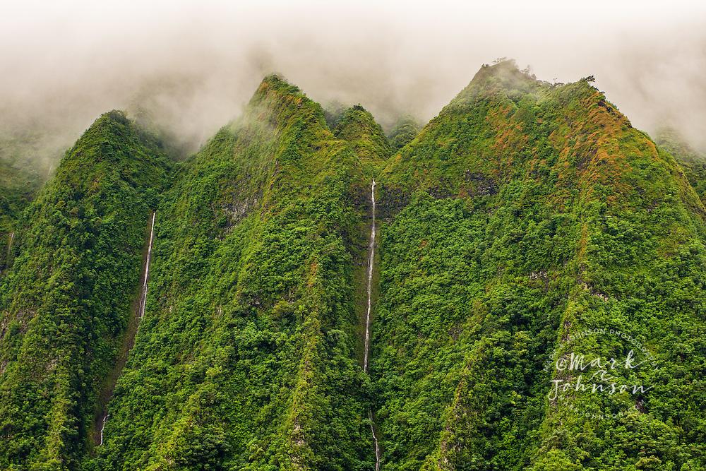 The vertical cliffs (pali) of the Koolau Mountains, Oahu, Hawaii