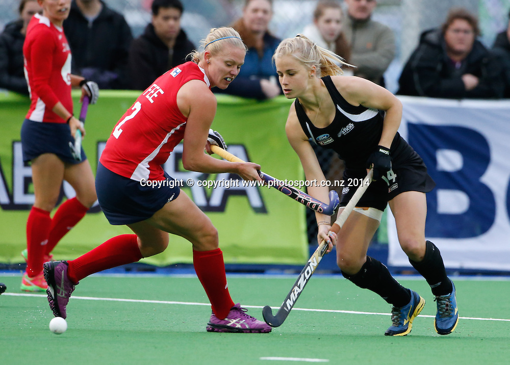 New Zealand's Michaela Curtis. Fourth test, New Zealand Black Sticks Women v USA women's international hockey, Twin Turfs , Palmerston North, New Zealand. Thursday, 23 October, 2014. Photo: John Cowpland / www.photosport.co.nz