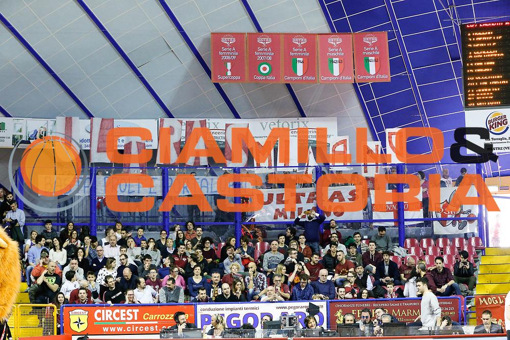 DESCRIZIONE : Venezia Lega A 2015-16 Umana Reyer Venezia - EA7 Emporio Armani Milano<br /> GIOCATORE : Tifosi Olimpia EA7 Emporio Armani Milano<br /> CATEGORIA : Tifosi<br /> SQUADRA : Umana Reyer Venezia - EA7 Emporio Armani Milano<br /> EVENTO : Campionato Lega A 2015-2016<br /> GARA : Umana Reyer Venezia - EA7 Emporio Armani Milano<br /> DATA : 13/03/2016<br /> SPORT : Pallacanestro <br /> AUTORE : Agenzia Ciamillo-Castoria/G. Contessa<br /> Galleria : Lega Basket A 2015-2016 <br /> Fotonotizia : Venezia Lega A 2015-16 Umana Reyer Venezia - EA7 Emporio Armani Milano