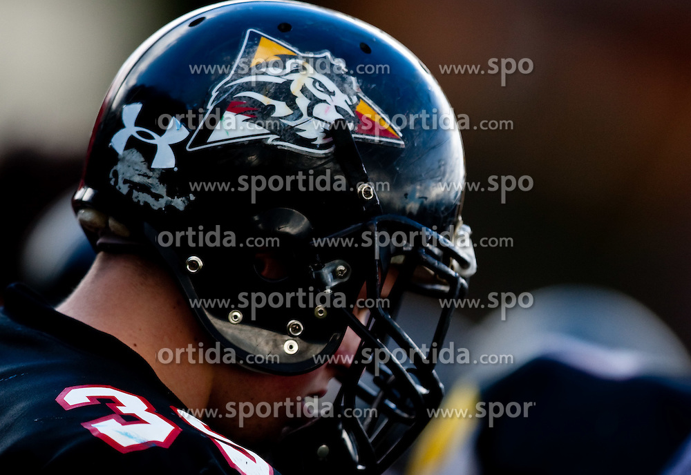 28.03.2010, Stadion Lind, Villach, AUT, AFL, Carinthian Black Lions vs Swarco Raiders Tirol, im Bild Feature Carinthian Black Lions Helm, EXPA Pictures © 2010, PhotoCredit: EXPA/ J. Feichter / SPORTIDA PHOTO AGENCY