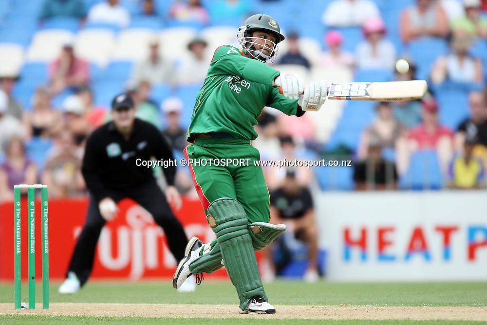 Bangladesh batsman Tamim Iqbal. New Zealand v Bangladesh, Ist ODI, Eden Park, Auckland, New Zealand. Boxing Day, Wednesday 26 December 2007. Bangadesh were dismissed for 201 in the 47th over. Photo: Andrew Cornaga/PHOTOSPORT