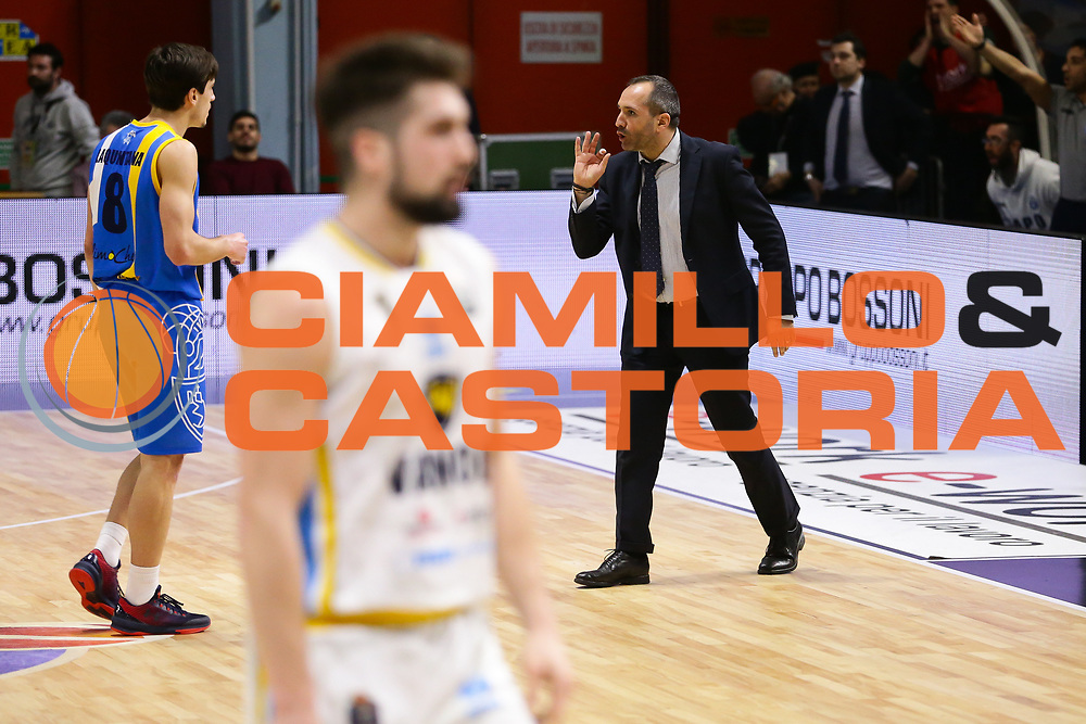 Gennaro Di Carlo<br /> Vanoli Cremona - Betaland Capo D Orlando<br /> Lega Basket Serie A 2016/2017<br /> Cremona 12/03//2017<br /> Foto Ciamillo-Castoria / M. Brondi