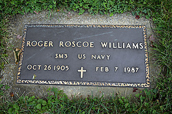31 August 2017:   Veterans graves in Dawson Cemetery in eastern McLean County.<br /> <br /> Roger Roscoe Williams  SM3  US Navy  Oct 25 1905  Fev 7 1987