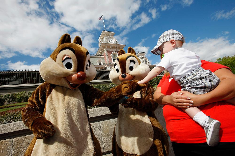 Orlando, Florida, USA, 20090324:   The Disney Magic Kingdom in Orlando. <br /> The chipmunks Chip and Dale greeting visitors outside the park. Photo: Orjan F. Ellingvag/ Dagbladet/ Corbis