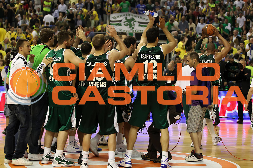 DESCRIZIONE : Barcellona Barcelona Eurolega Eurolegue 2010-11 Final Four Semifinale Semifinal Panathinaikos Montepaschi Siena<br /> GIOCATORE : La squadra the team<br /> SQUADRA : Panathinaikos<br /> EVENTO : Eurolega 2010-2011<br /> GARA : Panathinaikos Montepaschi Siena<br /> DATA : 06/05/2011<br /> CATEGORIA : esultanza<br /> SPORT : Pallacanestro<br /> AUTORE : Agenzia Ciamillo-Castoria/ElioCastoria<br /> Galleria : Eurolega 2010-2011<br /> Fotonotizia : Barcellona Barcelona Eurolega Eurolegue 2010-11 Final Four Semifinale Semifinal Panathinaikos Montepaschi Siena<br /> Predefinita :