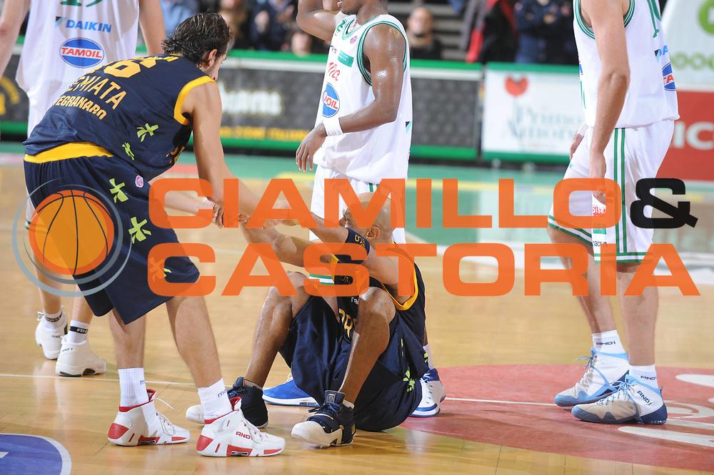 DESCRIZIONE : Treviso Lega A1 2008-09 Benetton Treviso Premiata Montegranaro<br /> GIOCATORE : Flamini Garris<br /> SQUADRA : Premiata Montegranaro<br /> EVENTO : Campionato Lega A1 2008-2009<br /> GARA : Benetton Treviso Premiata Montegranaro<br /> DATA : 16/11/2008<br /> CATEGORIA : Fair Play<br /> SPORT : Pallacanestro<br /> AUTORE : Agenzia Ciamillo-Castoria/M.Gregolin