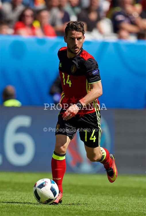 BORDEAUX, FRANCE - Saturday, June 18, 2016: Belgium's Dries Mertens in action against the Republic of Ireland during the UEFA Euro 2016 Championship Group E match at Stade de Bordeaux. (Pic by Paul Greenwood/Propaganda)