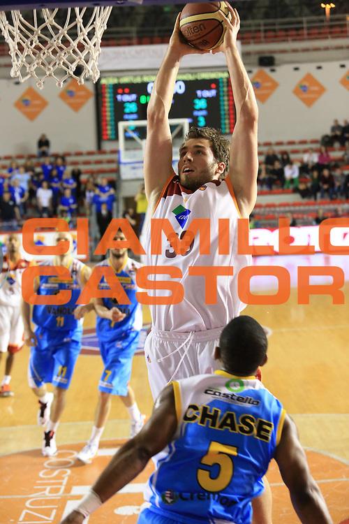 DESCRIZIONE : Roma Lega A 2012-13 Acea Roma Vanoli Cremona<br /> GIOCATORE : Aleksander Czyz<br /> CATEGORIA : schiacciata sequenza<br /> SQUADRA : Acea Roma<br /> EVENTO : Campionato Lega A 2012-2013 <br /> GARA :  Acea Roma Vanoli Cremona<br /> DATA : 03/03/2013<br /> SPORT : Pallacanestro <br /> AUTORE : Agenzia Ciamillo-Castoria/M.Simoni<br /> Galleria : Lega Basket A 2012-2013  <br /> Fotonotizia : Roma Lega A 2012-13 Acea Roma Vanoli Cremona<br /> Predefinita :