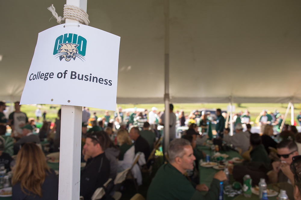 Ohio University College of Business hosts a Homecoming tailgating event for alumni and their families on October 10, 2015 at Ohio University's Tailgreat Park. The alumni received lunch and were able to connect with other alumni. Photo by Emily Matthews