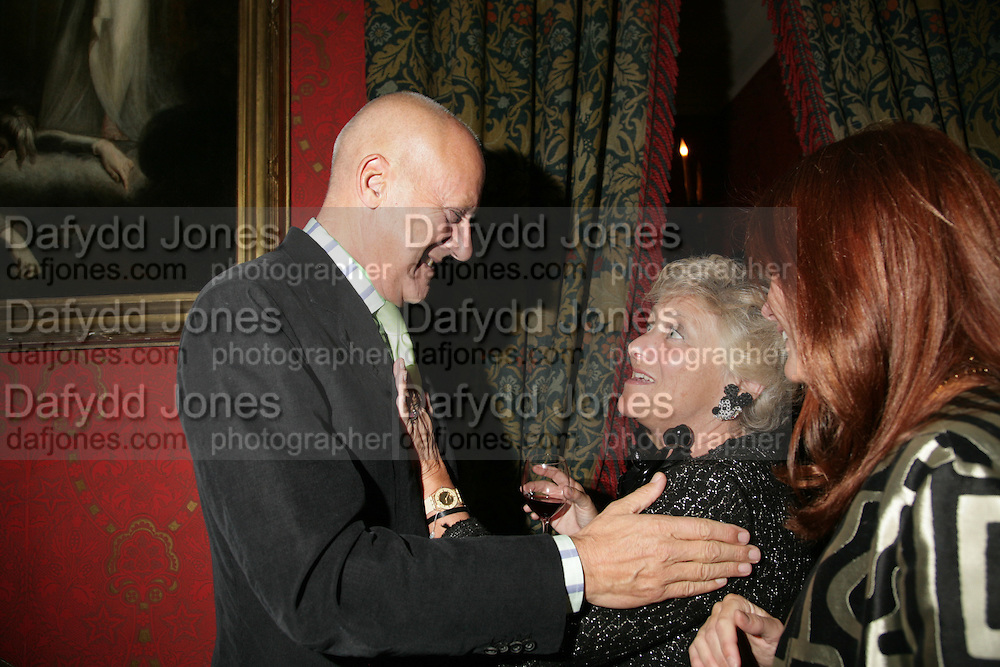 Dame Vivian Duffield Lady and Lord Foster, Party for Jean Pigozzi hosted by Ivor Braka to thank him for the loan exhibition 'Popular Painting' from Kinshasa'  at Tate Modern. Cadogan sq. London. 29 May 2007.  -DO NOT ARCHIVE-© Copyright Photograph by Dafydd Jones. 248 Clapham Rd. London SW9 0PZ. Tel 0207 820 0771. www.dafjones.com.