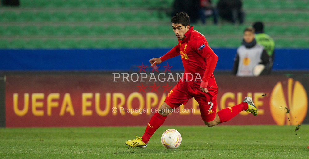UDINE, ITALY - Thursday, December 6, 2012: Liverpool's Luis Alberto Suarez Diaz in action against Udinese Calcio during the final UEFA Europa League Group A match at the Stadio Friuli. (Pic by David Rawcliffe/Propaganda)