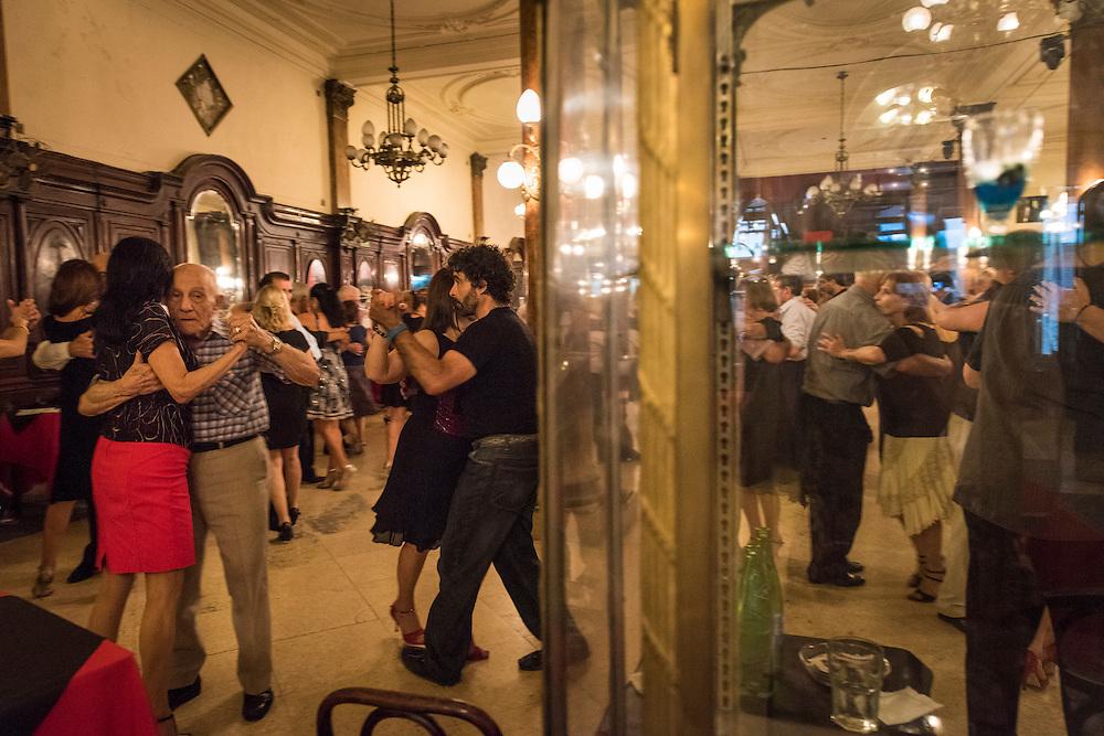 La mythique Confitería Ideal, Buenos Aires, 2014
