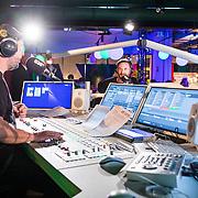 NLD/Amsterdam/20171019 - Prijsuitreiking en mini concert David Guetta, Dennis Ruyer interviewt David Guetta