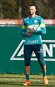 30.04.2018 - SÃO PAULO, SP -  O goleiro Weverton durante o treino do Palmeiras no CT da Barra Funda na zona oeste de São Paulo na tarde desta segunda-feira 30 ( Foto: MARCELO D.SANTS / FRAMEPHOTO )