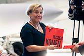 Minister Bijleveld opent tentoonstelling Koude Oorlog