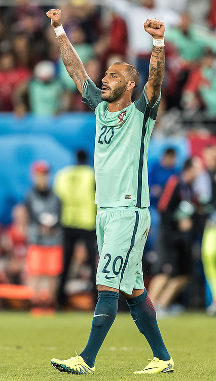 25.06.2016, Stade Bollaert Delelis, Lens, FRA, UEFA Euro 2016, Kroatien vs Portugal, Achtelfinale, im Bild Jubel Ricardo Quaresma (POR) // Ricardo Quaresma (POR) celebrates during round of 16 match between Croatia and Portugal of the UEFA EURO 2016 France at the Stade Bollaert Delelis in Lens, France on 2016/06/25. EXPA Pictures © 2016, PhotoCredit: EXPA/ JFK