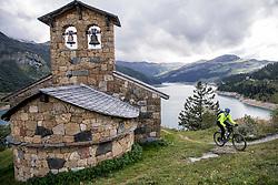 16-09-2017 FRA: BvdGF Tour du Mont Blanc day 7, Beaufort<br /> De laatste etappe waar we starten eindigen we ook weer naar een prachtige route langs de Mt. Blanc / Jeroen