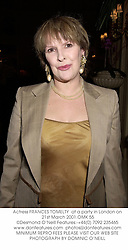Actress FRANCES TOMELTY  at a party in London on 21st March 2001.	OMK 55