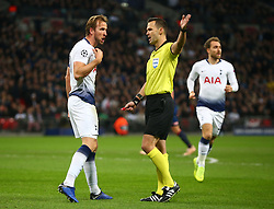 November 6, 2018 - London, England, United Kingdom - London, England - November 06, 2018.Tottenham Hotspur's Harry Kane not happy with Referee.Ivan Kruzliak.during Champion League Group B between Tottenham Hotspur and PSV Eindhoven at Wembley stadium , London, England on 06 Nov 2018. (Credit Image: © Action Foto Sport/NurPhoto via ZUMA Press)