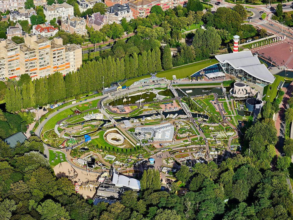 Nederland, Zuid-Holland, Den Haag, 14-09-2019; attractieparkMadurodam, miniatuurstad. Van Stolkpark en Scheveningse Bosjes.<br /> Madurodam amusement park, miniature city.<br /> luchtfoto (toeslag op standard tarieven);<br /> aerial photo (additional fee required);<br /> copyright foto/photo Siebe Swart
