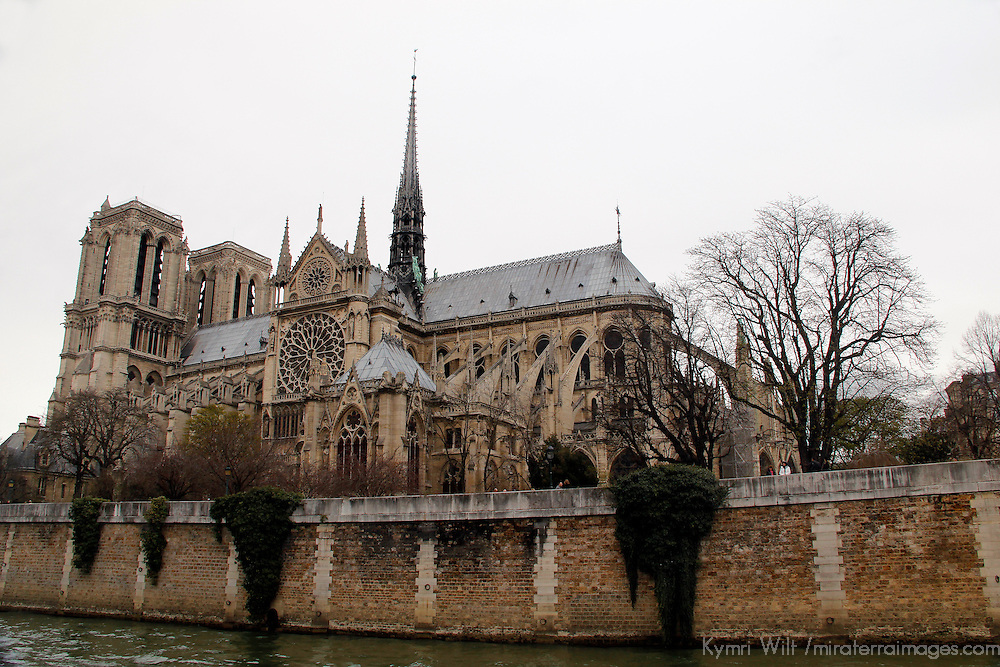 Europe, France, Paris. View of Notre-Dame Cathedral on Ile de la Cite.