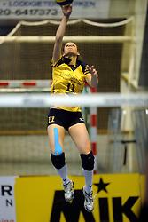 29-01-2011 VOLLEYBAL: TVC AMSTELVEEN - PEELPUSH: AMSTELVEEN<br /> Gelegenheidsteam TVC wint met 3-0 van Peelpush / Lieke Clerkx<br /> &copy;2011-WWW.FOTOHOOGENDOORN.NL