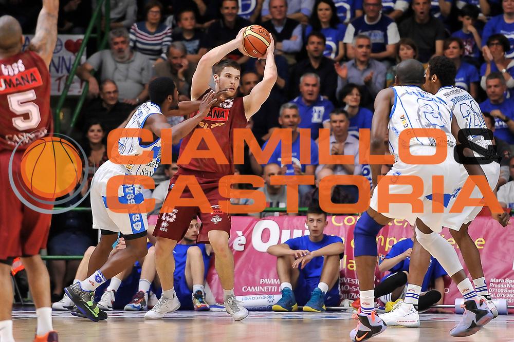 DESCRIZIONE : Campionato 2014/15 Dinamo Banco di Sardegna Sassari - Umana Reyer Venezia<br /> GIOCATORE : Ivica Radic<br /> CATEGORIA : Passaggio Controcampo<br /> SQUADRA : Umana Reyer Venezia<br /> EVENTO : LegaBasket Serie A Beko 2014/2015<br /> GARA : Dinamo Banco di Sardegna Sassari - Umana Reyer Venezia<br /> DATA : 03/05/2015<br /> SPORT : Pallacanestro <br /> AUTORE : Agenzia Ciamillo-Castoria/L.Canu