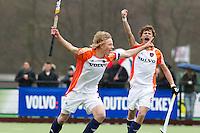 AERDENHOUT - 09-04-2012 - Aanvoerder Morris de Vilder heeft gescoord , maandag tijdens de finale tussen Nederland Jongens B en Spanje Jongens B  (3-1) , tijdens het Volvo 4-Nations Tournament op de velden van Rood-Wit in Aerdenhout. Jongens U16 wortdt kampioen.FOTO KOEN SUYK