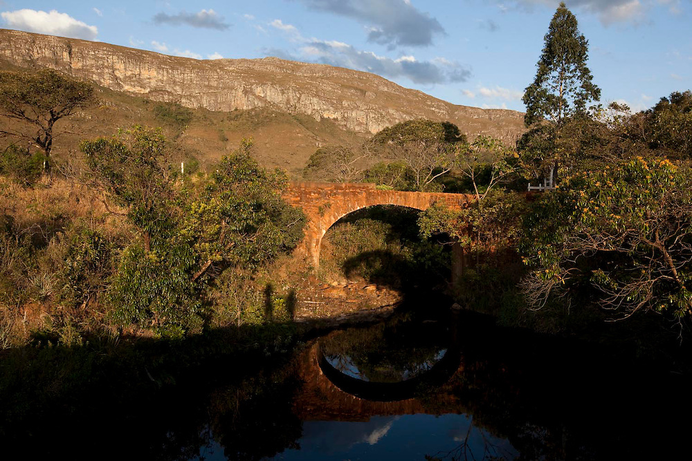 Santana do Riacho_MG, Brasil.<br /> <br /> Ponte da antiga ligacao da Serra do Cipo em Santana do Riacho, Minas Gerais. <br /> <br /> Ancient bridge in Serra do Cipo in Santana do Riacho, Minas Gerais.<br /> <br /> Foto: BRUNO MAGALHAES / NITRO