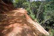 Nova Limas_MG, Brasil...Deslizamento de terra proximo a vegetacao no condominio Pasargada...Landslide near the vegetation in the condominium Pasargada...Foto: JOAO MARCOS ROSA / NITRO