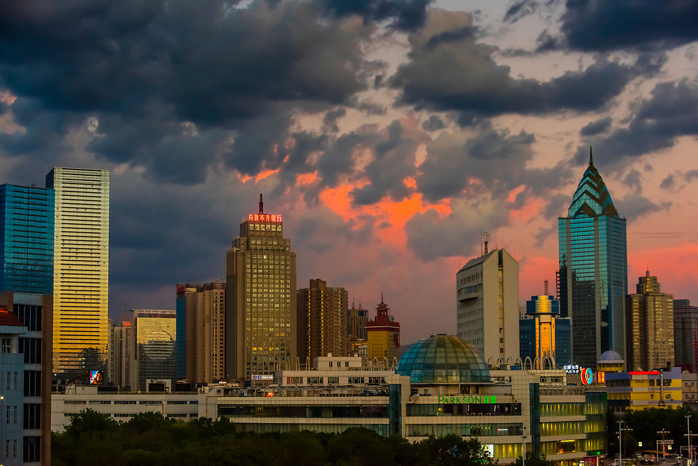 The modern city of Urumqi. Urumqi is the capital of the Xinjiang Uyghur Autonomous Region of the People's Republic of China in Northwest China. Urumqi was a major hub on the Silk Road during China's Tang dynasty. It sits on the edge of the Gobi Desert.