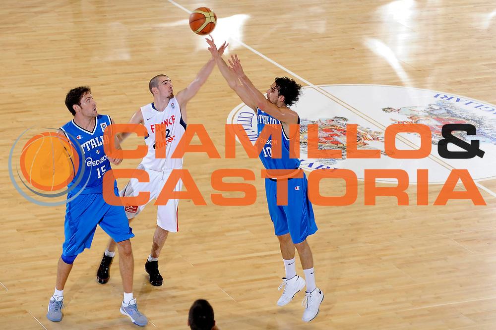 DESCRIZIONE : Cagliari Eurobasket Men 2009 Additional Qualifying Round Italia Francia<br /> GIOCATORE : Luca Vitali<br /> SQUADRA : Italia Italy Nazionale Italiana Maschile<br /> EVENTO : Eurobasket Men 2009 Additional Qualifying Round <br /> GARA : Italia Francia Italy France<br /> DATA : 05/08/2009 <br /> CATEGORIA : tiro<br /> SPORT : Pallacanestro <br /> AUTORE : Agenzia Ciamillo-Castoria/G.Ciamillo