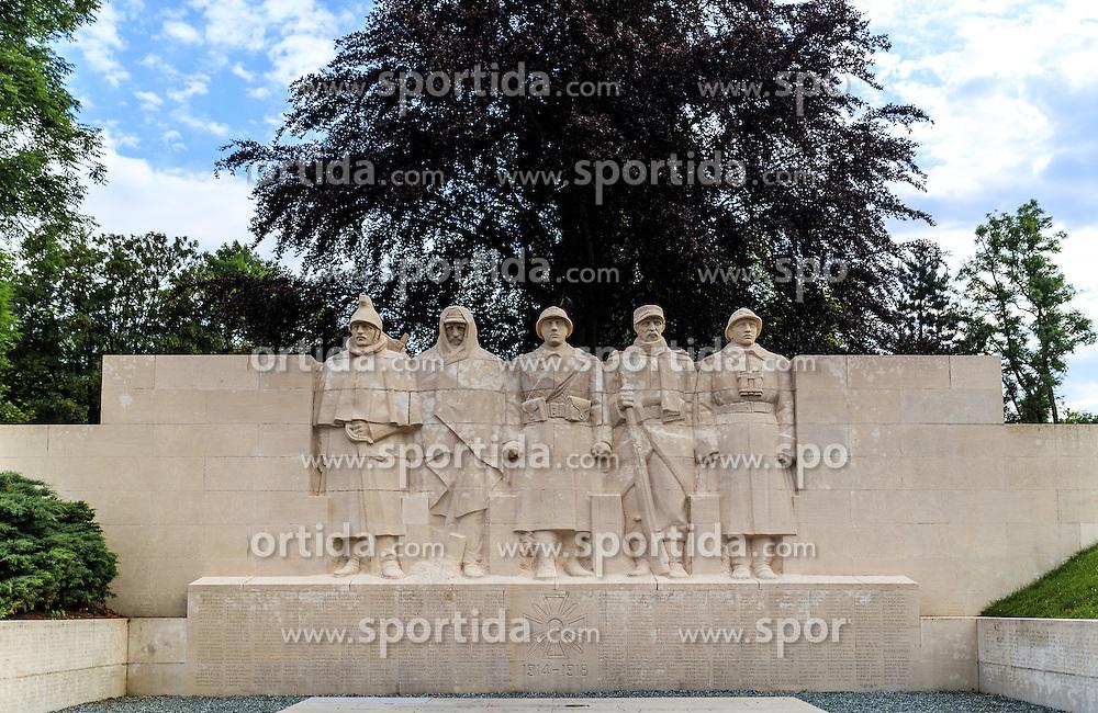 08.06.2016, Verdun, FRA, auf dem Schlachtfeld des Ersten Weltkriegs, Verdun, im Bild Denkmal der Toten von Verdun // Monument to the dead man of Verdun in Verdun, France on 2016/06/08. EXPA Pictures © 2016, PhotoCredit: EXPA/ JFK
