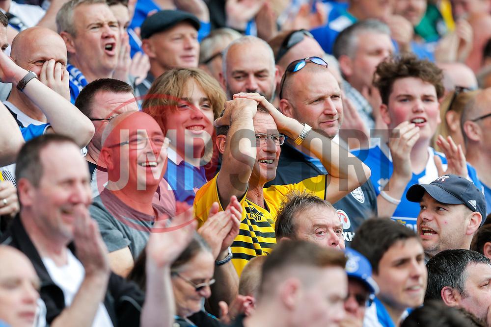 Bristol Rovers fans react - Mandatory byline: Rogan Thomson/JMP - 08/03/2016 - FOOTBALL - Memorial Stadium - Bristol, England - Bristol Rovers v Dagenham & Redbridge - Sky Bet League 2.