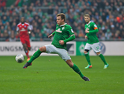 01.03.2014, Weserstadion, Bremen, GER, 1. FBL, SV Werder Bremen vs Hamburger SV, 23. Runde, im Bild Philipp Bargfrede (Bremen #44) am Ball // Philipp Bargfrede (Bremen #44) am Ball during the German Bundesliga 23th round match between SV Werder Bremen and Hamburger SV at the Weserstadion in Bremen, Germany on 2014/03/02. EXPA Pictures &copy; 2014, PhotoCredit: EXPA/ Andreas Gumz<br /> <br /> *****ATTENTION - OUT of GER*****