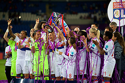 CARDIFF, WALES - Thursday, June 1, 2017: Olympique Lyonnais players celebrate with the trophy after winning the UEFA Champions League during the UEFA Women's Champions League Final between Olympique Lyonnais and Paris Saint-Germain FC at the Cardiff City Stadium. (Pic by David Rawcliffe/Propaganda)