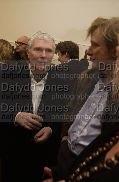 Glenn O'Brien. Warhol's World. Photography and Television. Hauser and Wirth. Piccadilly, London. 26  January 2006.  ONE TIME USE ONLY - DO NOT ARCHIVE  © Copyright Photograph by Dafydd Jones 66 Stockwell Park Rd. London SW9 0DA Tel 020 7733 0108 www.dafjones.com