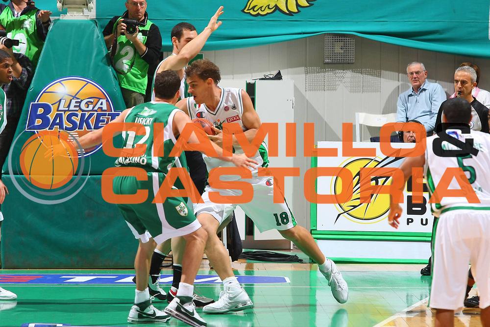 DESCRIZIONE : Siena Lega A1 2008-09 1 TIM Supercoppa 2008 Montepaschi Siena Air Avellino<br /> GIOCATORE : Luca Lechthaler <br /> SQUADRA : Montepaschi Siena <br /> EVENTO : Tim Supercoppa 2008 <br /> GARA : Montepaschi Siena Air Avellino<br /> DATA : 30/09/2008 <br /> CATEGORIA : Penetrazione<br /> SPORT : Pallacanestro <br /> AUTORE : Agenzia Ciamillo-Castoria/G.Ciamillo<br /> Galleria : Lega Basket A1 2008-2009 <br /> Fotonotizia : Siena TIM Supercoppa 2008 Lega A1 Montepaschi Siena Air Avellino<br /> Predefinita :