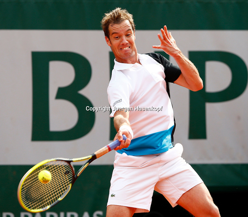 French Open 2013, Roland Garros,Paris,ITF Grand Slam Tennis Tournament, Richard Gasquet (FRA),<br /> Aktion,Einzelbild,Halbkoerper,Querformat,