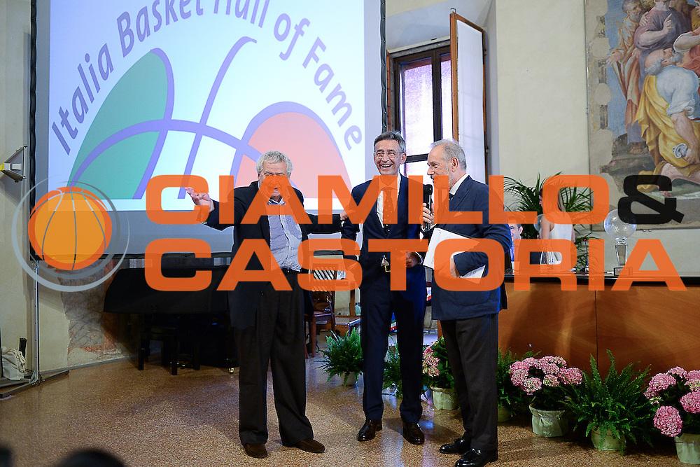DESCRIZIONE : Bologna Basket Day Hall of Fame 2015<br /> GIOCATORE : Bogdan Tanjevic<br /> SQUADRA : FIP Federazione Italiana Pallacanestro <br /> EVENTO : Basket Day Hall of Fame 2015<br /> GARA : Roma Basket Day Hall of Fame 2015<br /> DATA : 25/06/2016<br /> CATEGORIA : Premiazione<br /> SPORT : Pallacanestro <br /> AUTORE : Agenzia Ciamillo-Castoria/Michele Longo